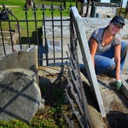 North Cross UMC helps with cleanup of historic cemetery in Madisonville