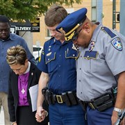 Louisiana Conference holds prayer vigil in Baton Rouge for fallen police officers